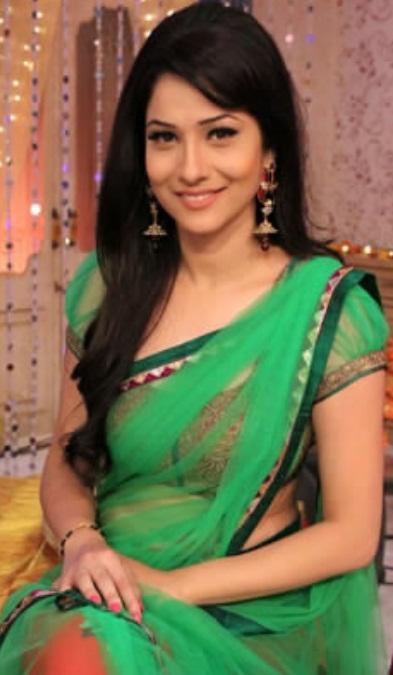 Tv Actress Ankita Lokhande Hot In Green Saree Veethi