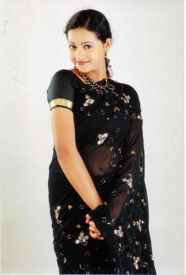 bhavana menon in black saree veethi