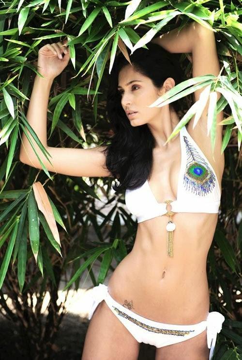 Bruna abdullah sexy photos