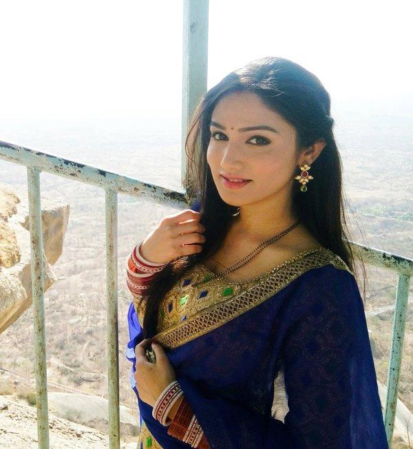 Donal Bisht in Salwar | Veethi