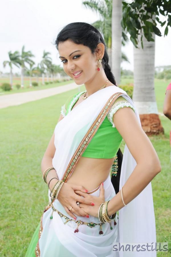 Kamna Jethmalani Sexy in Saree | Veethi