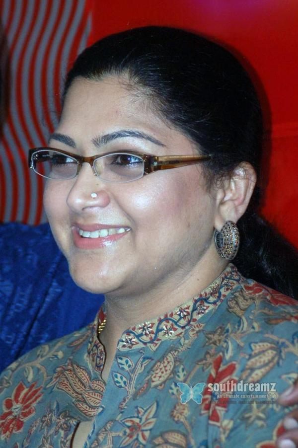 kushboo hot saree images