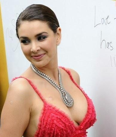 Image result for lisa ray hot