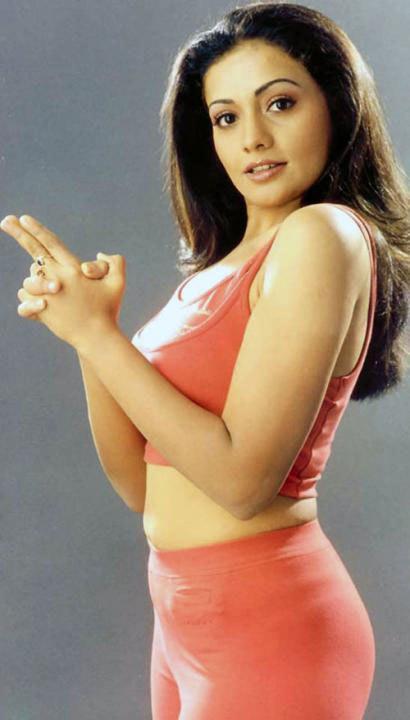 Meera Vasudevan Sexy In Saree