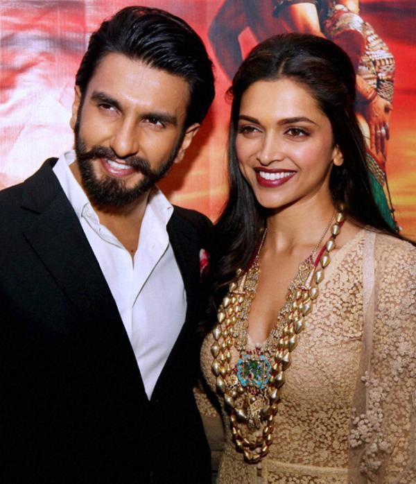 Ranveer Singh Hot Romance with Deepika Padukone | Veethi