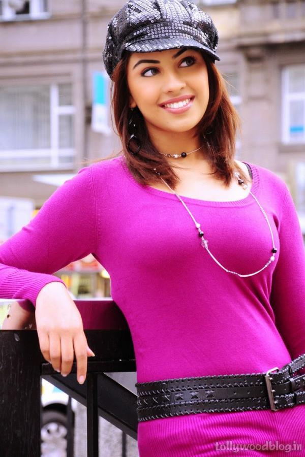 Richa gangopadhyay sexy photos