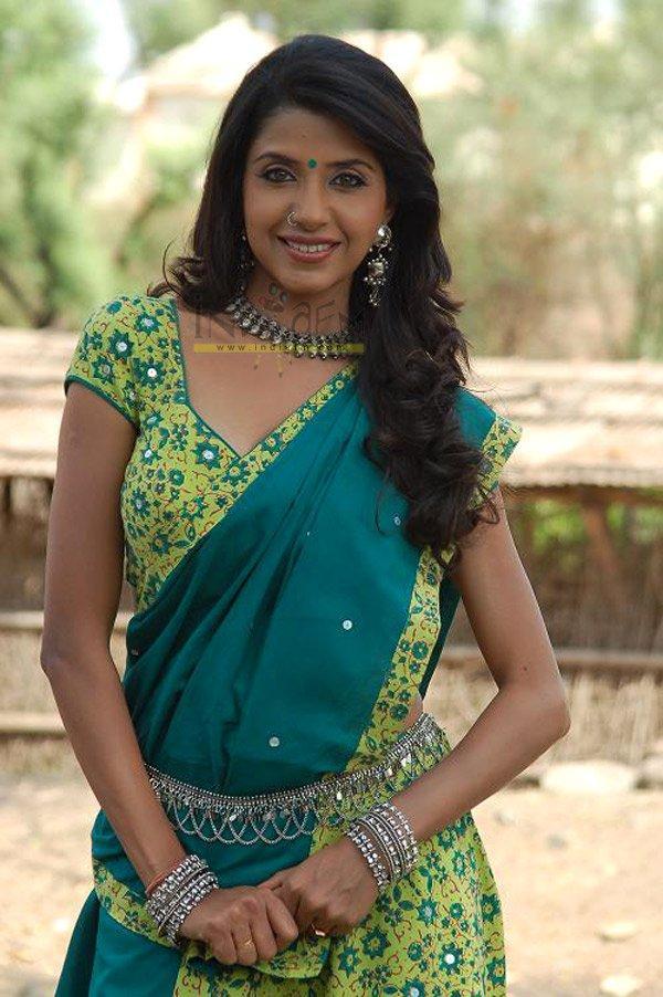 Saadhika Randhawa