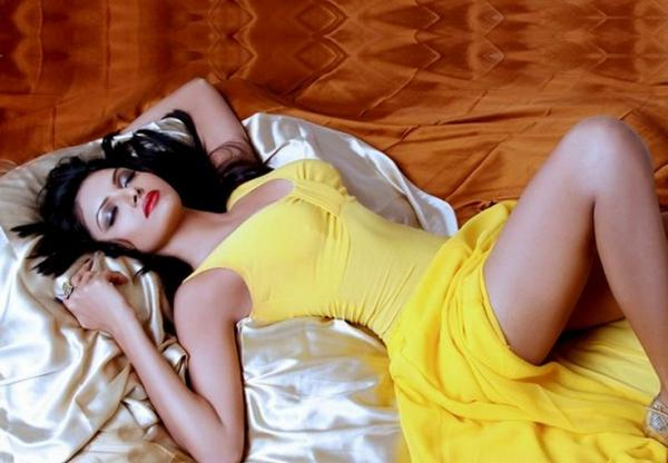 Sherlyn Chopra Hot And Sexy Images