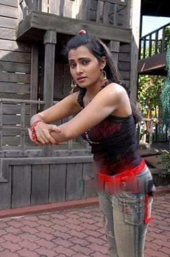 serial actress shruthi raj hot still veethi