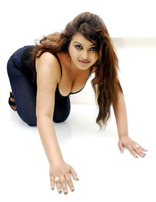 Sona Heiden Sexy Hot Pictures | Veethi