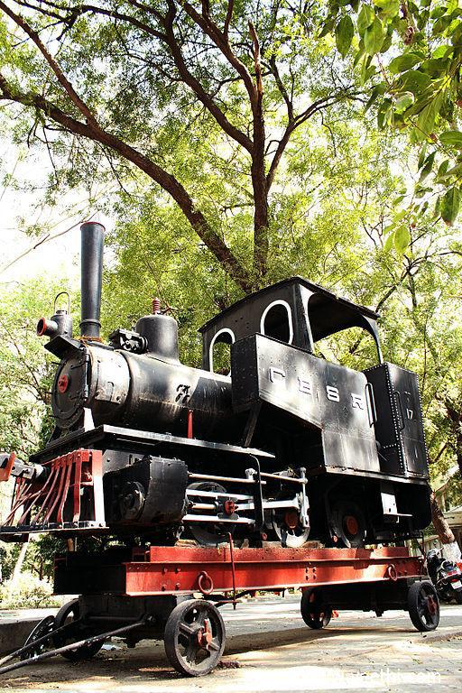 train-statue-ld-college-of-engieering-ahmedabad