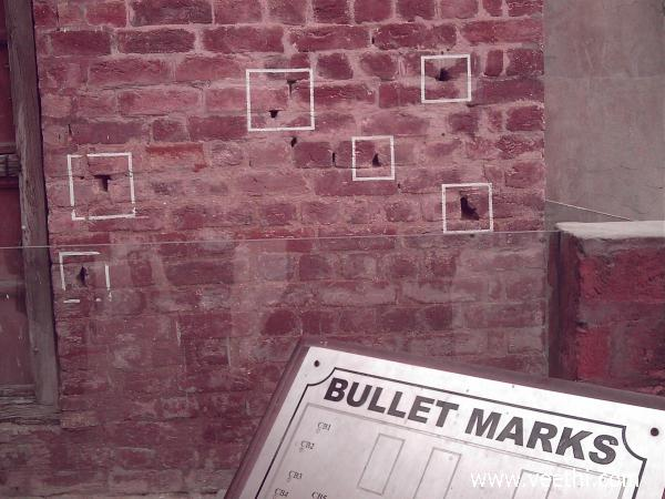 bullet-marks-on-the-wall-of-jallianwala-bagh