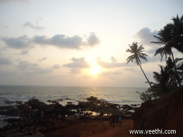 baga-beach-in-evening-goa