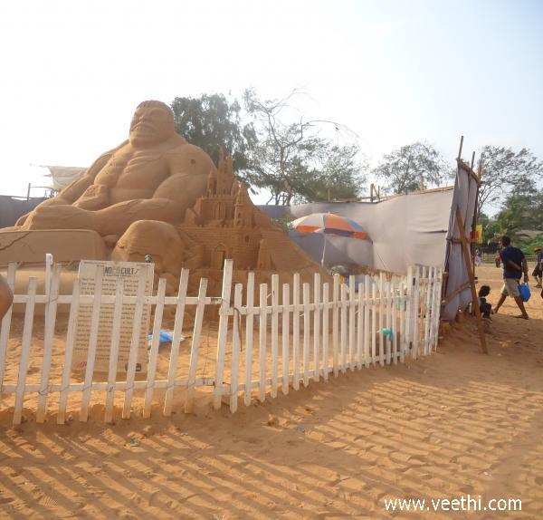 amazing-sand-sculptors-in-north-goa