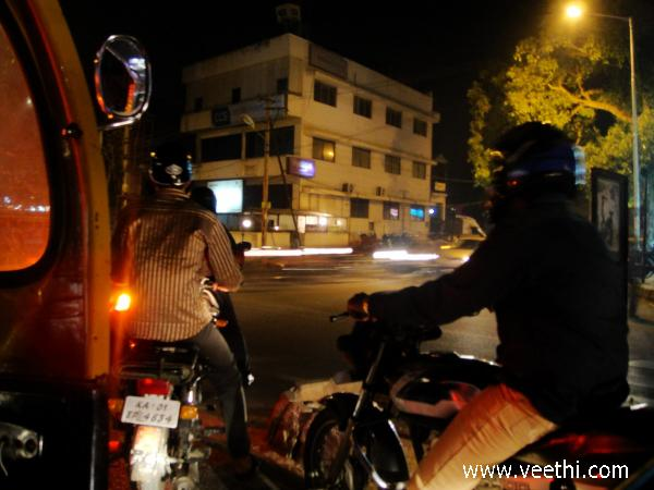 nightfalls-but-bangalore-is-still-busy