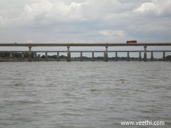 basara-bridge-across-the-river-godavari
