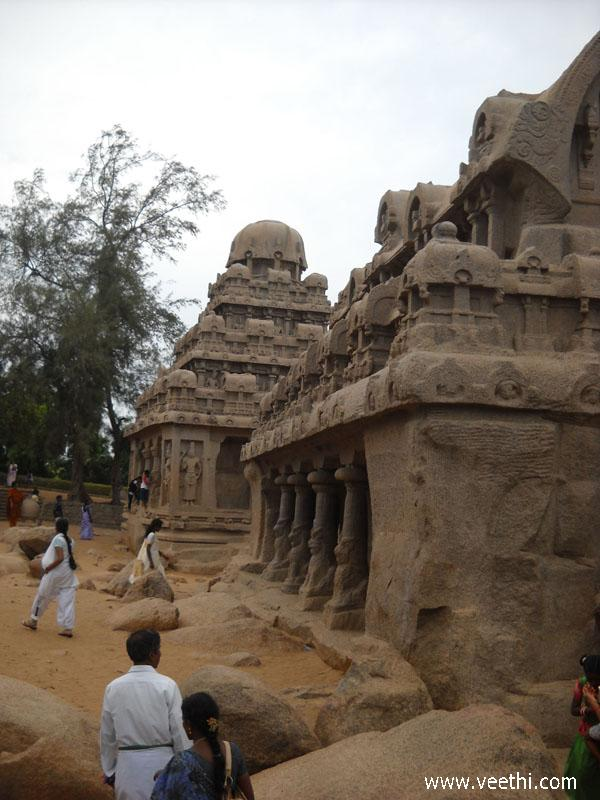 a-view-of-five-rathas