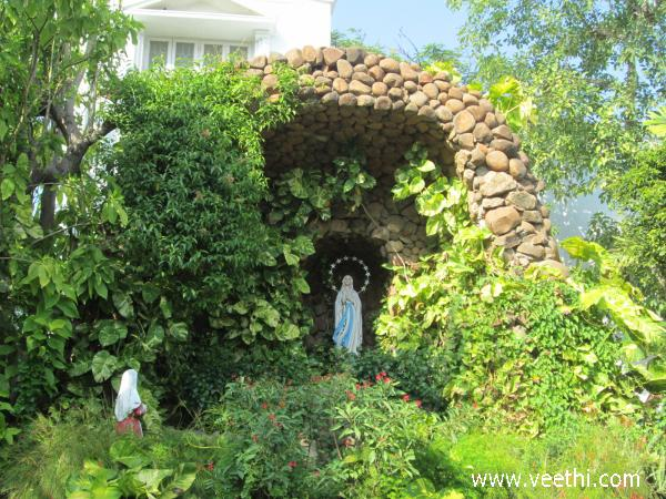 santhome-mother-mary-statue-chennai