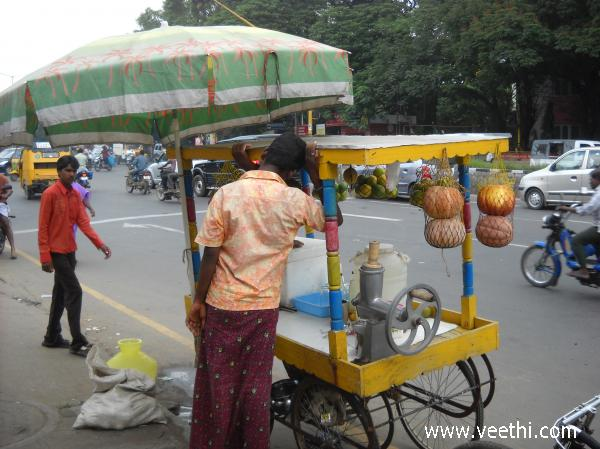 roadside-juice-stall-at-ashok-nagar-in-chennai