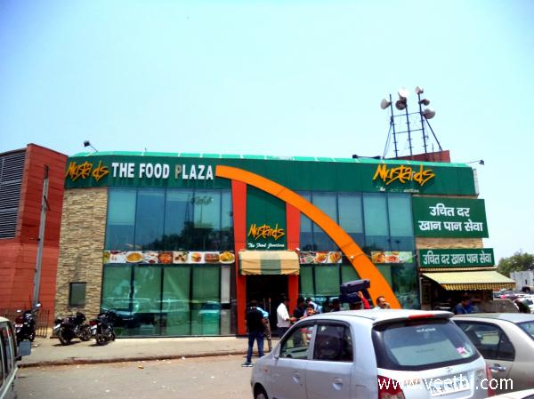 the-food-plaza-a-fair-prize-restaurant-at-new-delhi