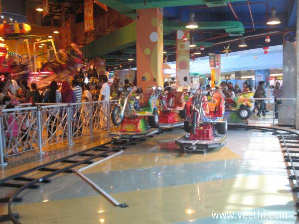 childrens-park-inside-lulu-mall-kerala