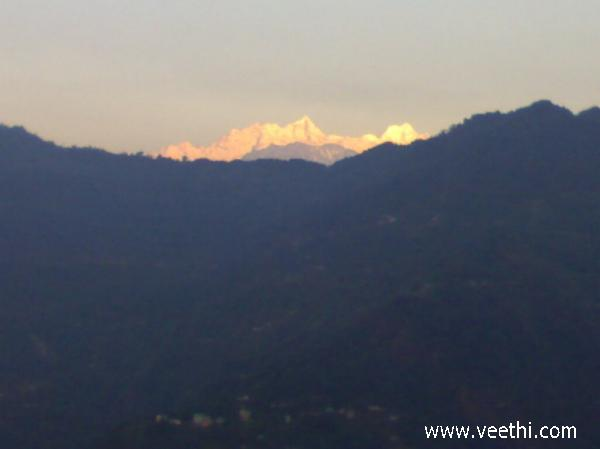 sun-rise-at-kangchenjunga