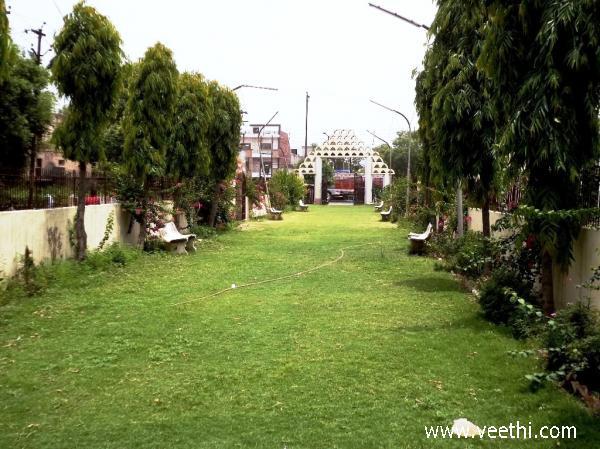 Govindpuri Photos
