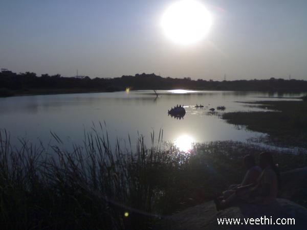 sunset-at-buffalo-lake-in-central-university-of-hyderabad