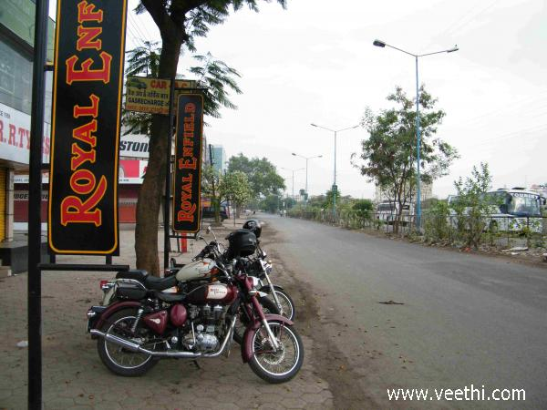 royal-enfield-showroom-indore
