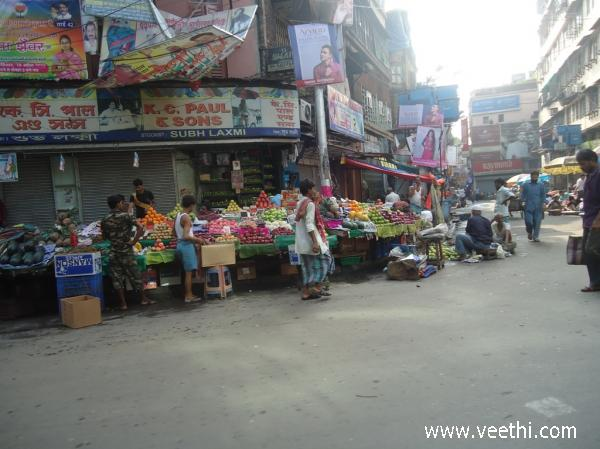 fruits-market-of-park-street-in-kolkata