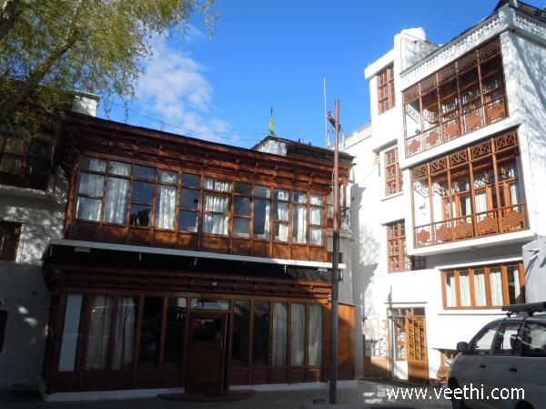 kanord-hotel-building-in-ladakh