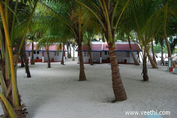 neatly-maintained-huts-in-minicoy