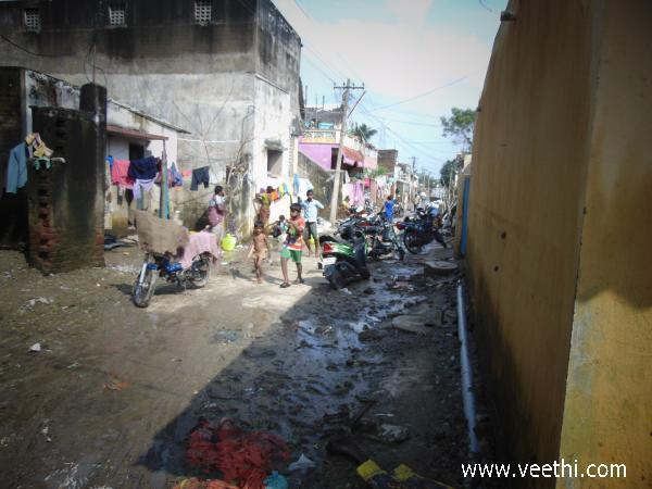 garbages-created-by-flood-thiruverkadu